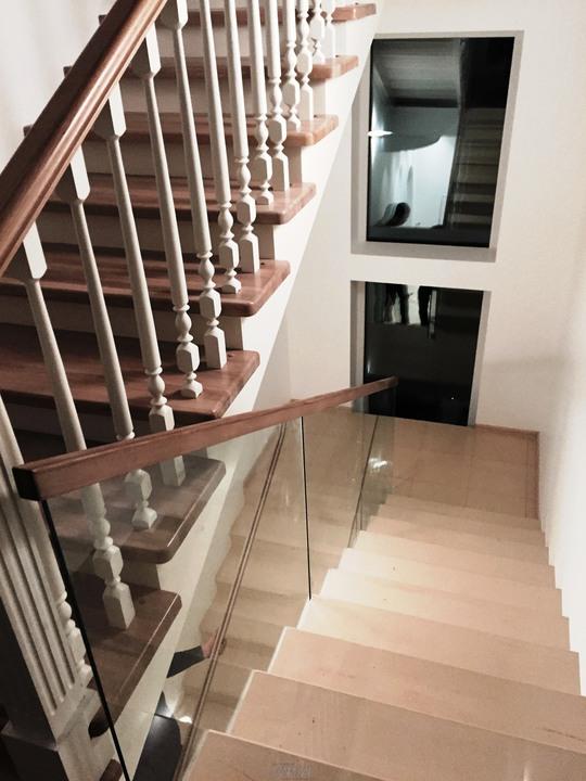 Детали и комплектующие для деревянных лестниц